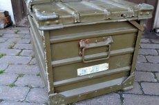 画像6: ドイツZARGES社イギリス軍折り畳みアルミコンテナ  (6)