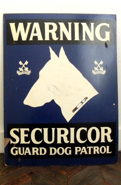 画像1: UKセキュリティーサービス会社の看板 (1)
